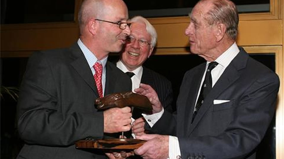 Лагун 420 Гибрид увозит кубок Mansura Trophy
