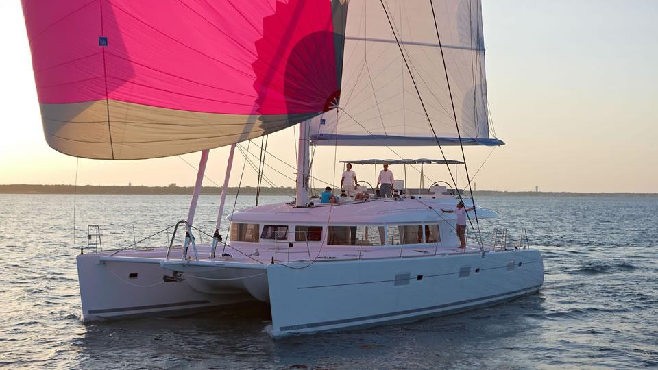Новый флагман парусный катамаран Lagoon 620