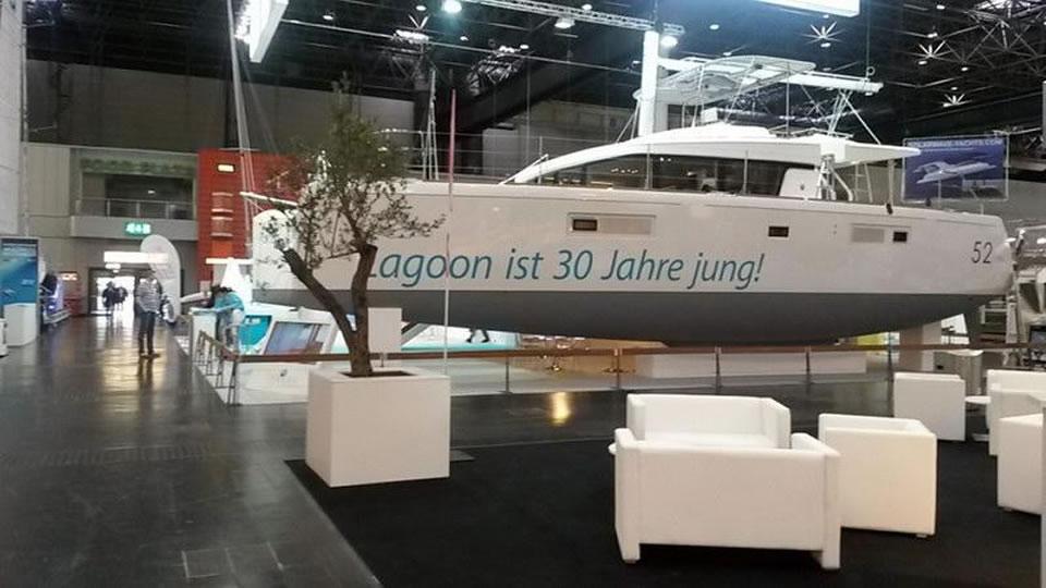 Парусный катамаран Lagoon 52 в Дюссельдорфе