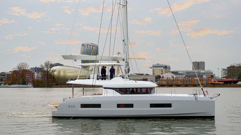 Новый парусный катамаран Lagoon 55