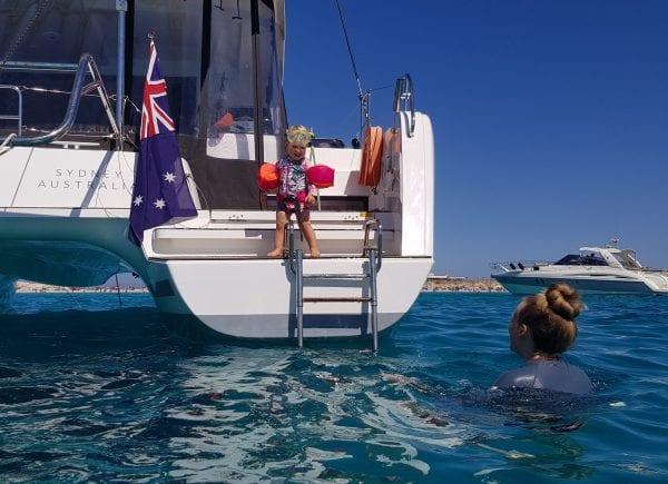 Когда Лара сказала мне, что хочет купить лодку, мы купили лодку и отправились в путь