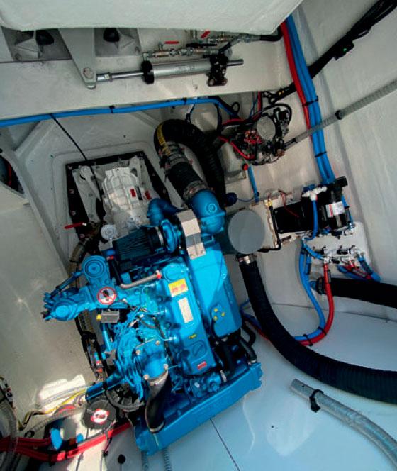 Наш совет, учитывая водоизмещение Lagoon 55, сразу выбрать установку двух двигателей Nanni 110 л.с.